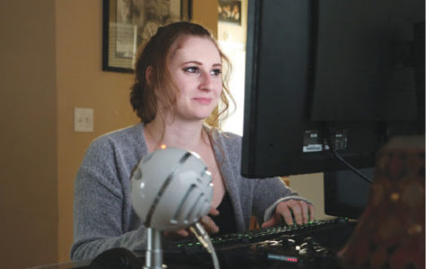 """Recent studies find disconnect in  number of women in gaming who identify as """"gamers"""""""