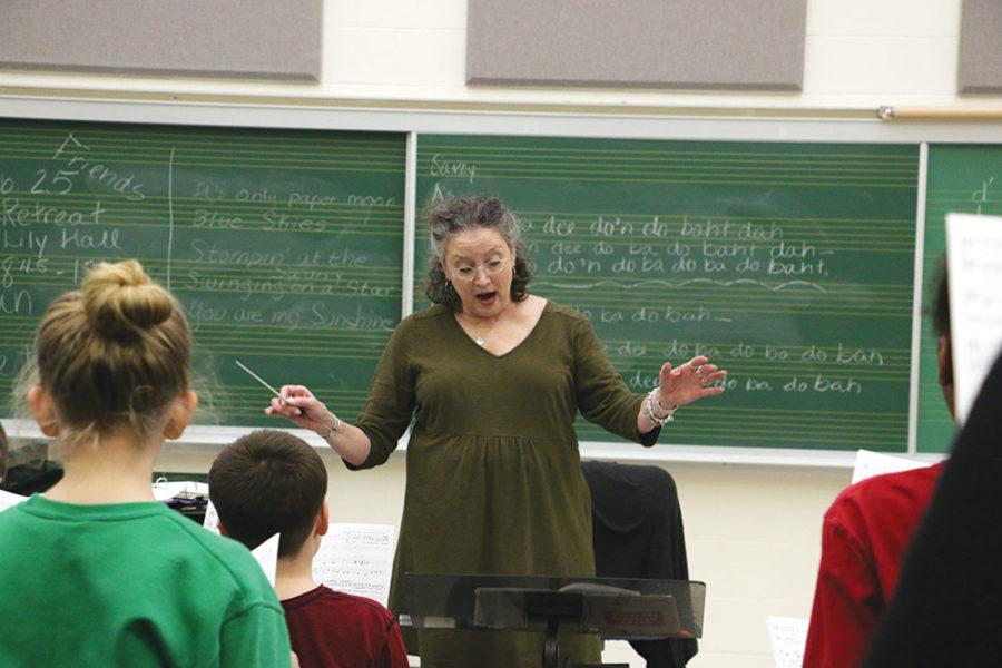 ICC+choir+director+Sarah+Hassler+leads+the+choir.+Hassler+said+the+grant+will+be+used+for+outreach.