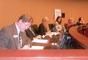 School board members listen to discussion at a meeting. School board president Tricia Hackett said the board will discuss the start of the Research-Based Inclusive System of Evaluation (RISE) program next school year at the Jan. 9 workshop. CAROLINE ZHANG / PHOTO