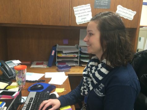 Counselors to schedule senior year for juniors, hold college research meeting