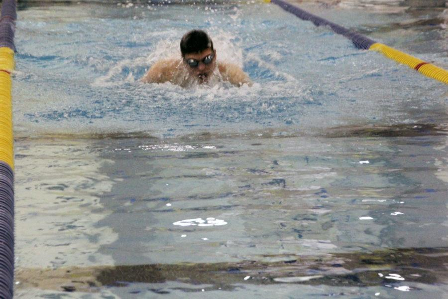 Mens+swim+team+reflects+on+win+at+State