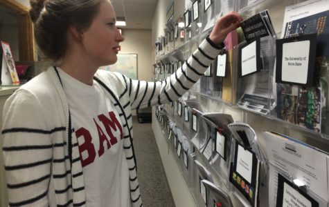 Counselors organize additional college workshops for juniors,  Scholarship Night for seniors