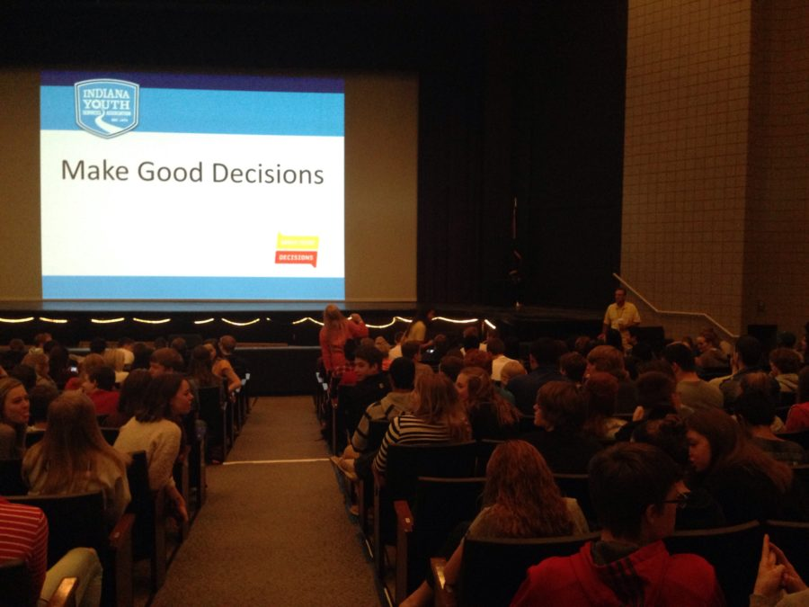 The Junior Class listens to speaker Dawn Finbloom during SRT. Her message was to promote good decision-making and the Lifeline Law. CYNTHIA WU / PHOTO
