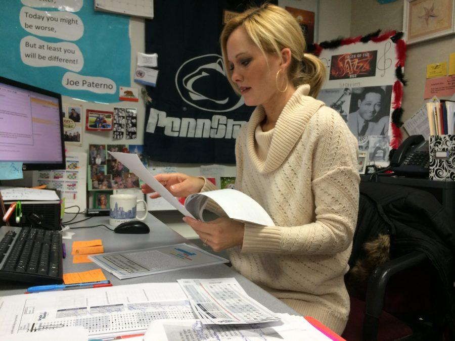 Sponsor Sandy Gardner works in her classroom during SRT. She said the group will be discussing the upcoming Vanderbilt conference at the next meeting. PALDE/PHOTO