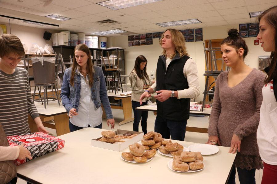 PHOTO ESSAY: DM Square Donut Sales