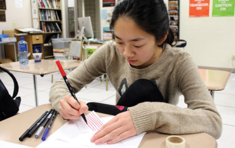 Typography and Design Club makes pinwheels to mail to Syrian refugees
