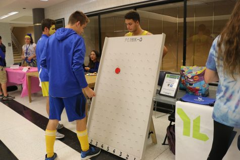 PHOTO GALLERY: Homecoming Booths