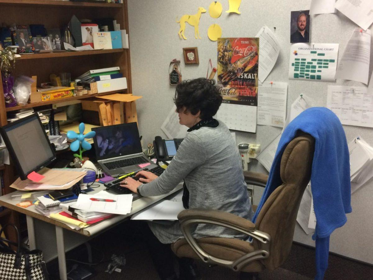 Math+department+chair+Jacinda+Sohalski+quietly+works+at+her+desk.+For+the+past+few+weeks%2C+she+has+been+working+actively+to+help+students+with+ISTEP+remediation.