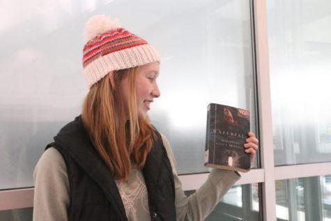 Waterfall-ing into a Good Book [Café Libro]