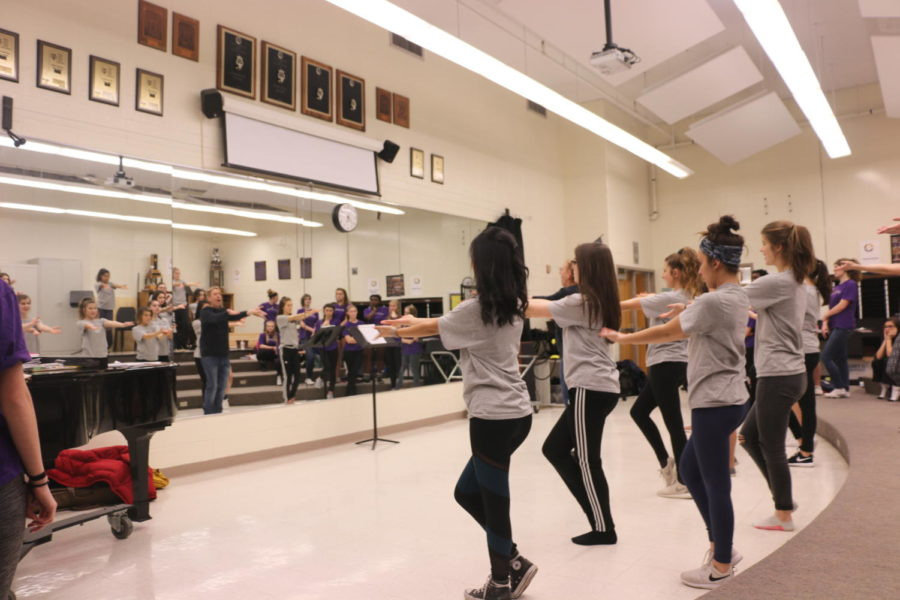 Accents rehearse a choreographed number during the choir season. Sophomore Chendi Liu said she had a very memorable year and is excited for the final performance of the year at the Spring Choral Concert.