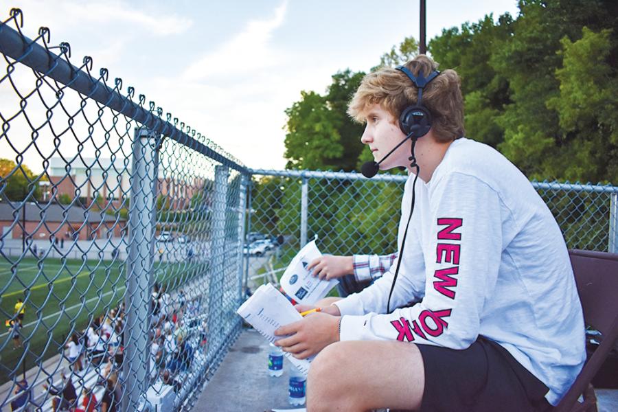 Radio students explain process behind sports broadcasting
