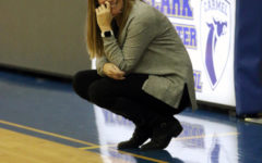 Greyhounds girls basketball team splits games over the weekend, prepares for Lawrence Central
