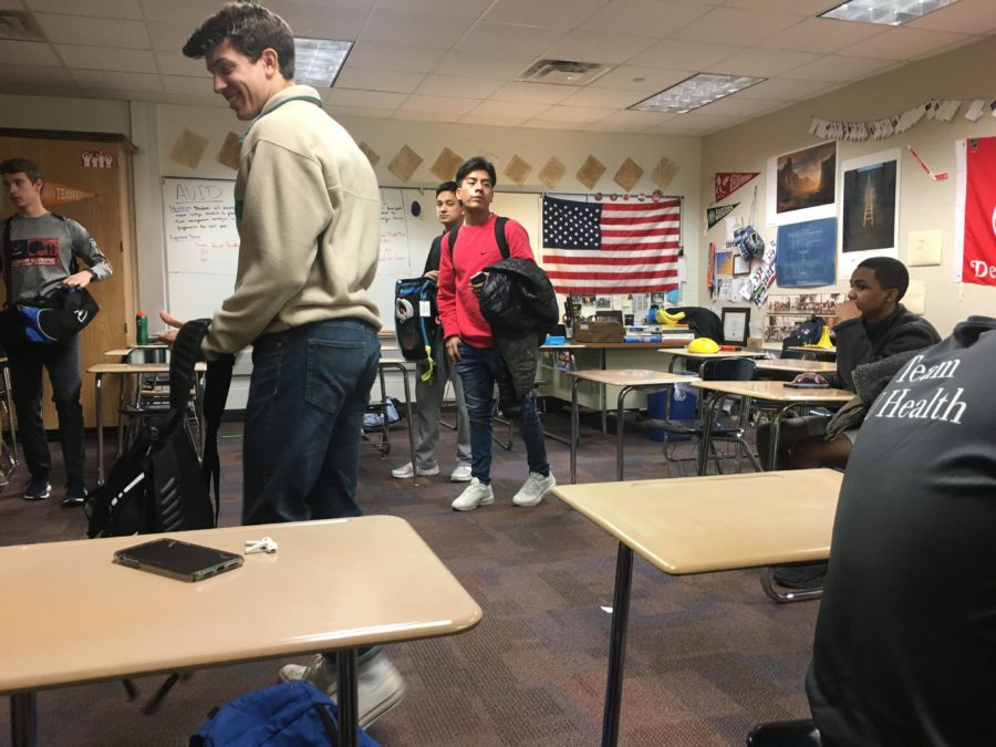 AVID students work and socialize during SRT. AVID SRT teacher Gordon Copee said the students will continue to learn more about the transition from high school to college.