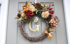 DIY Wreath: Take a look at this easy decoration to spice up your holiday