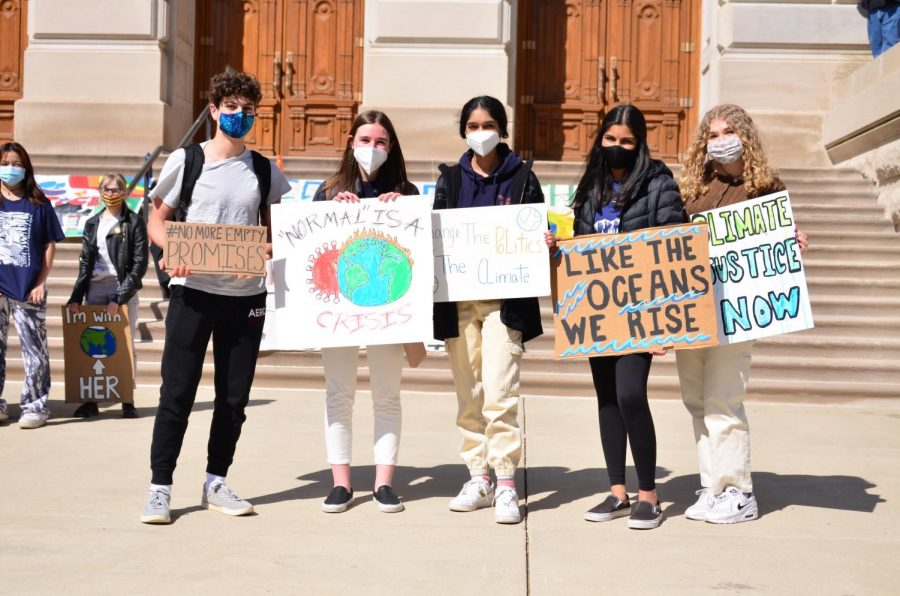 CHS+students+participate+in+the+Climate+Strike.+Aanchal+Agarwal%0Asaid+that+striking+is+important+but+it+is+not+everything+to+achieving+climate+justice.+